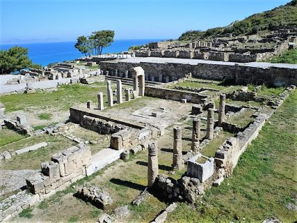 Independent cruise excursions to Ancient Kamiros and Fountain Square